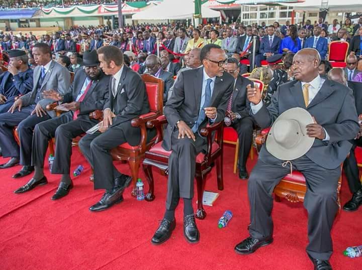 President Yoweri Museveni (Right) and President Paul Kagame attending the Uhuru swearing-in ceremony on Tuesday.