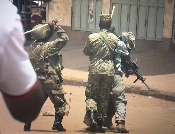 security arrest journalist
