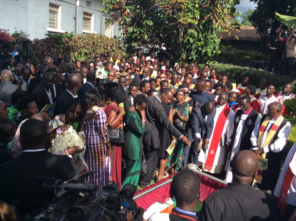 The family of the late Byanyima see him off. Courtesy.