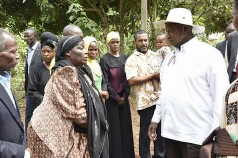 President Museveni pays a visit to the late Hailat Magumba's home last week. Courtesy photo.