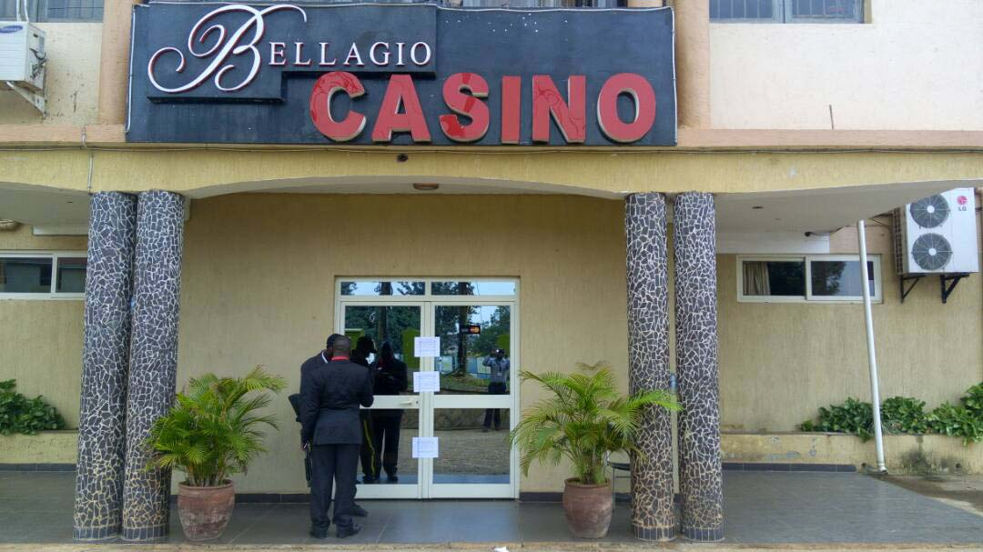 Notices of closure posted on the Bellagio Casino entrance. Photo by Raymond Mayanja.