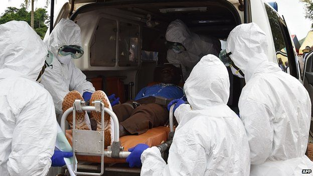 Health personnel manage an ebola patient the Ivory Coast. Net picture.