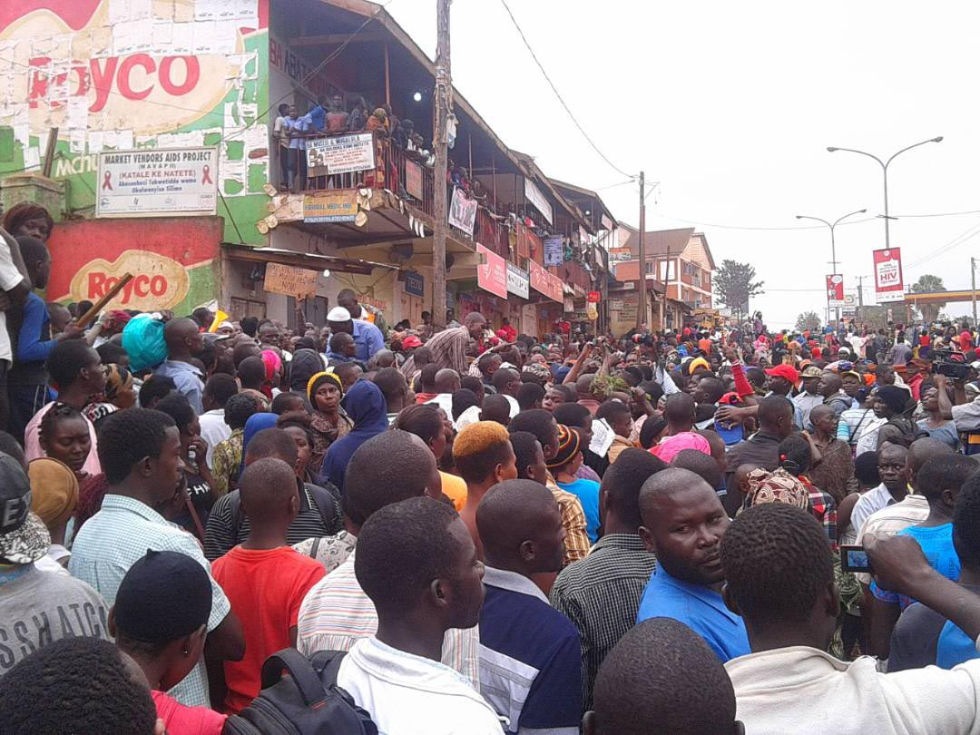 A crowd of angry traders at the the market protest today, Photo by Raymond Mayanja.