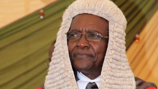 Kenyan Chief Justice David Maraka and colleagues attracted attacks from Uhuru Kenyatta. Net photo.