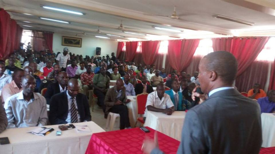 Gen Mugisha Muntu addresses Hoima residents on Monday. Courtesy photo.