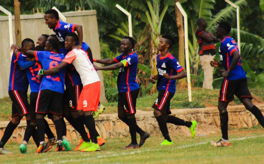 Vipers' players celebrating Dan Sserunkuma's goal against Soana