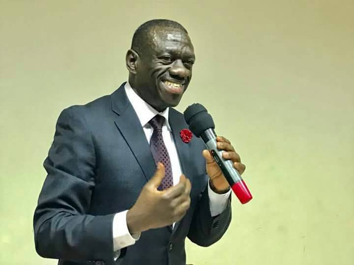Dr Besigye speaks to Busitema University medical students at Mbale Resort on Saturday.