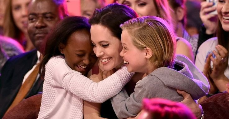 Zahara Marley Jolie-Pitt, actress Angelina Jolie and Shiloh Nouvel Jolie-Pitt in the audience during Nickelodeon's 28th Annual Kids' Choice Awards held at The Forum on March 28, 2015 in Inglewood, California. Photo: KEVIN WINTER / GETTY IMAGES NORTH AMERICA / AFP