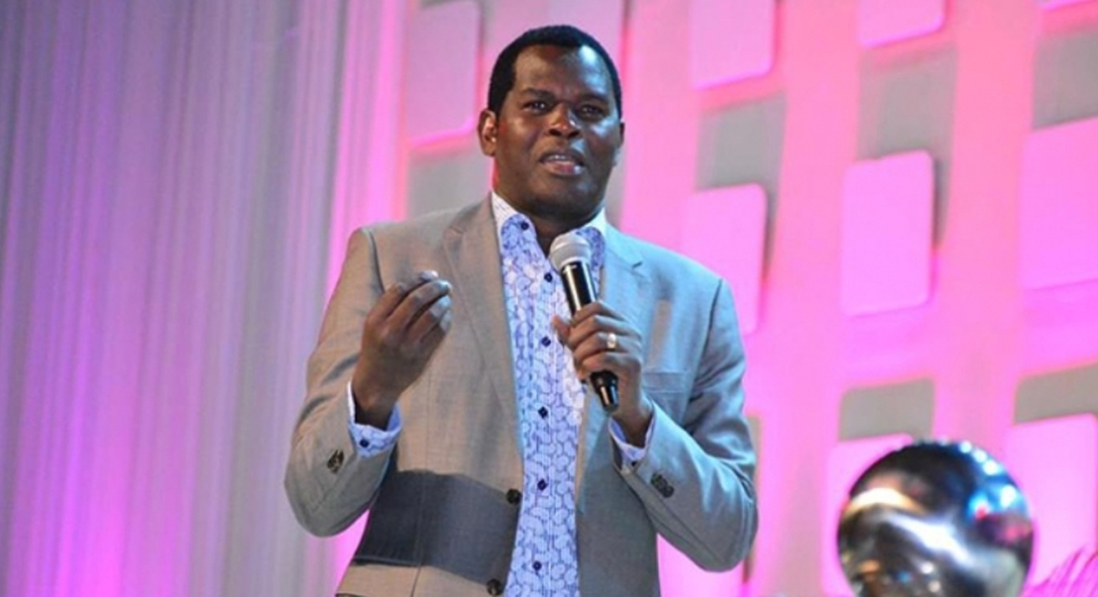 The Youths accuse Pastor Robert Kayanja of Rubaga Miracle Centre for misappropriating Version86 funds (FILE PHOTO)