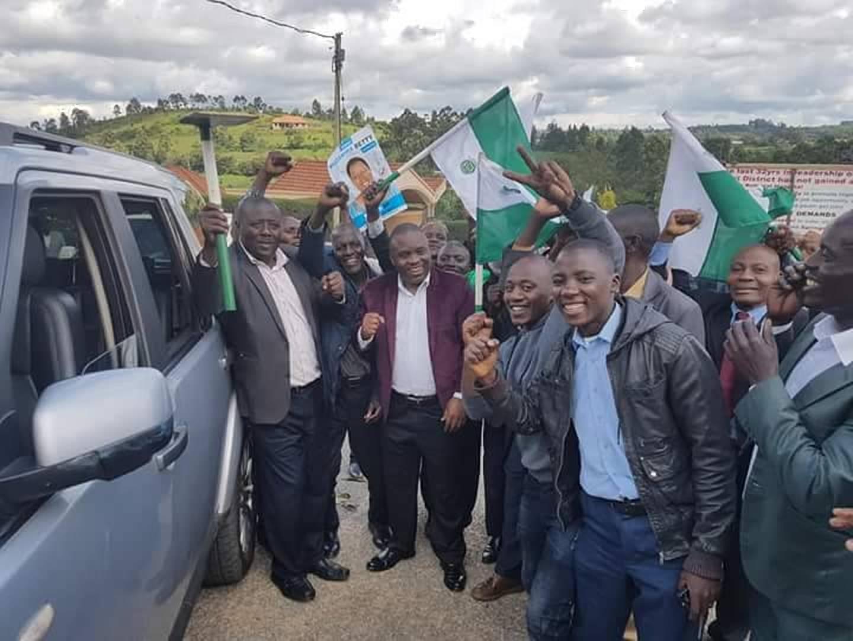 Elias Lukwago arrives in Rukungiri amidst DP enthusiasts (PML Photo)