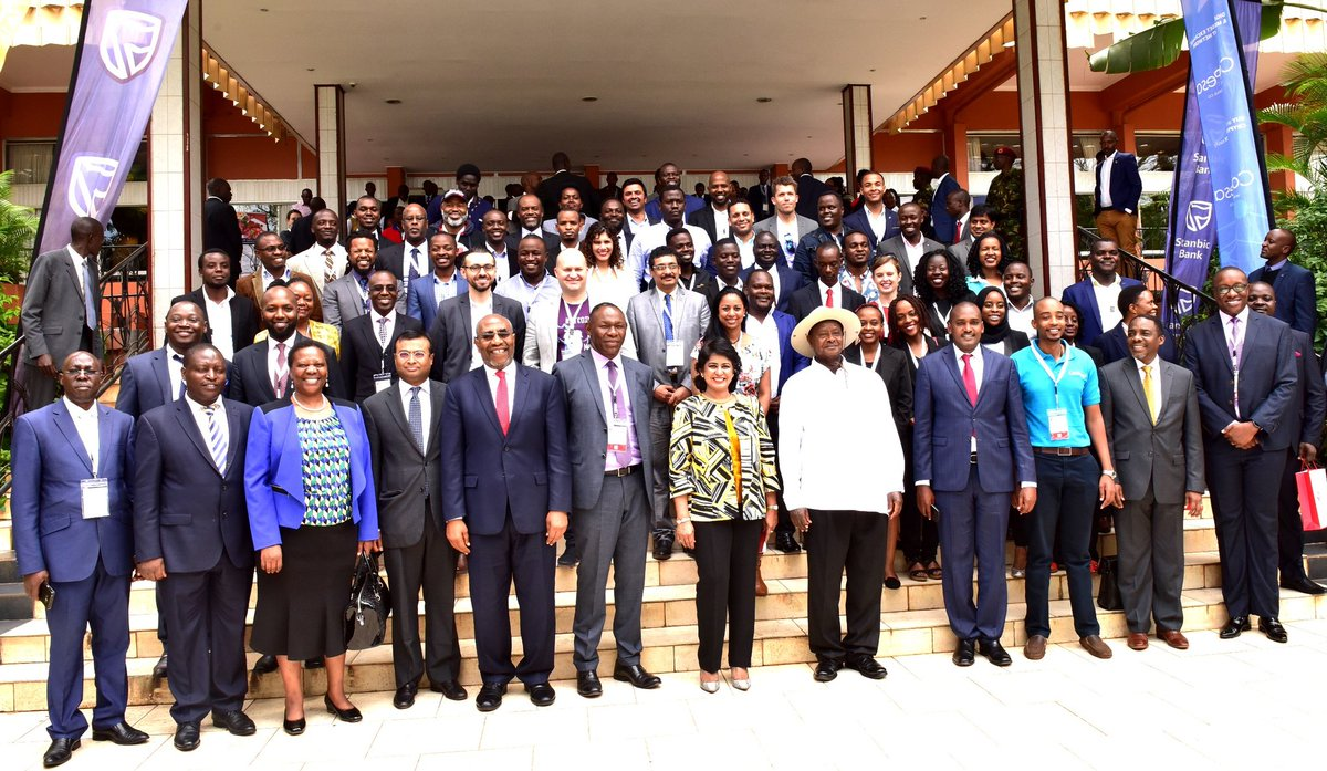 President Museveni shares a pictorial moment with the participants at the African Blockchain Technology conference at the Serena Conference Centre in Kampala (COURTESY PHOTO).