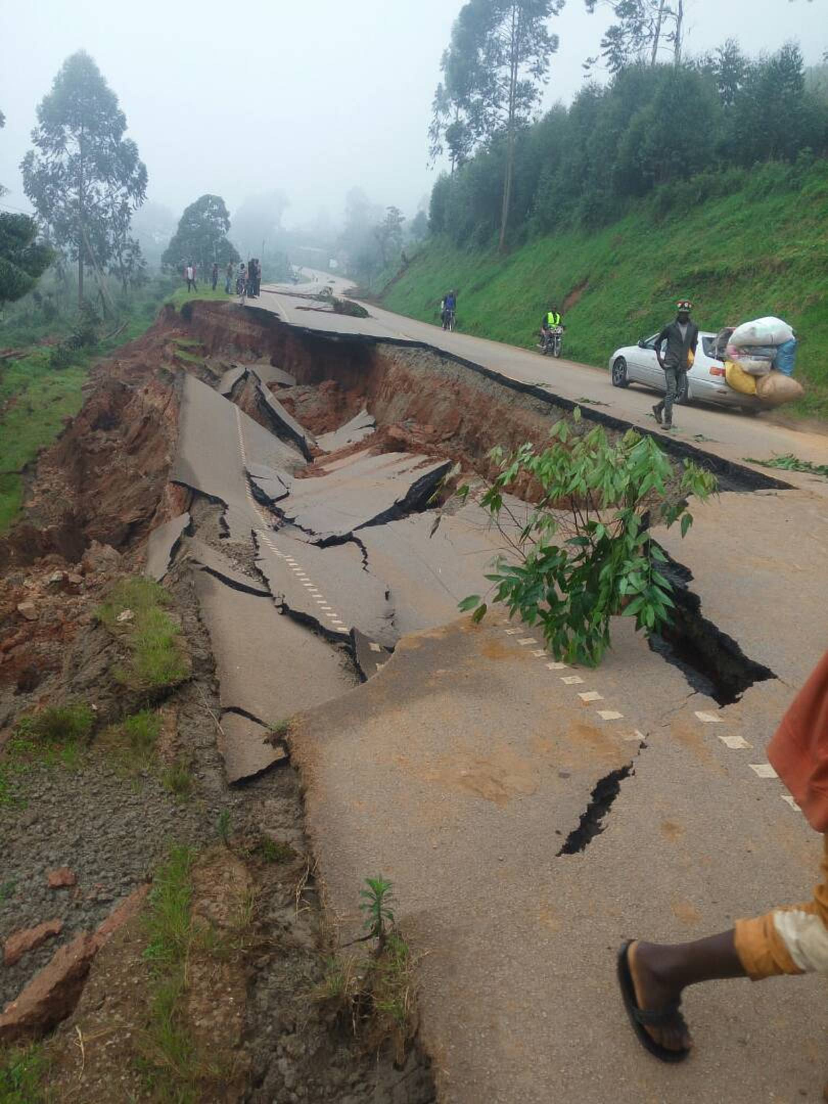 The section on Kabale-Katuna road at Kyonyo heavily affected by the landslides (COURTESY PHOTO)