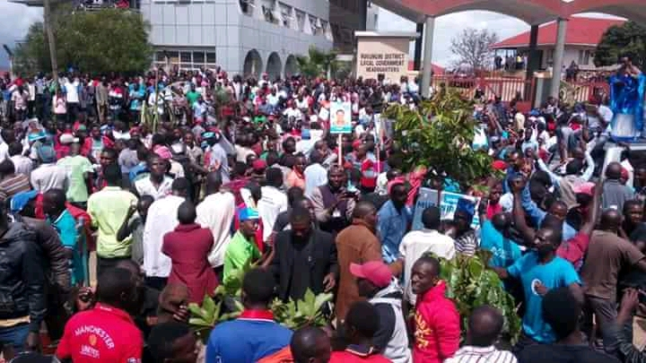 Supporter of FDC candidate Muzanira flooded the streets in support.