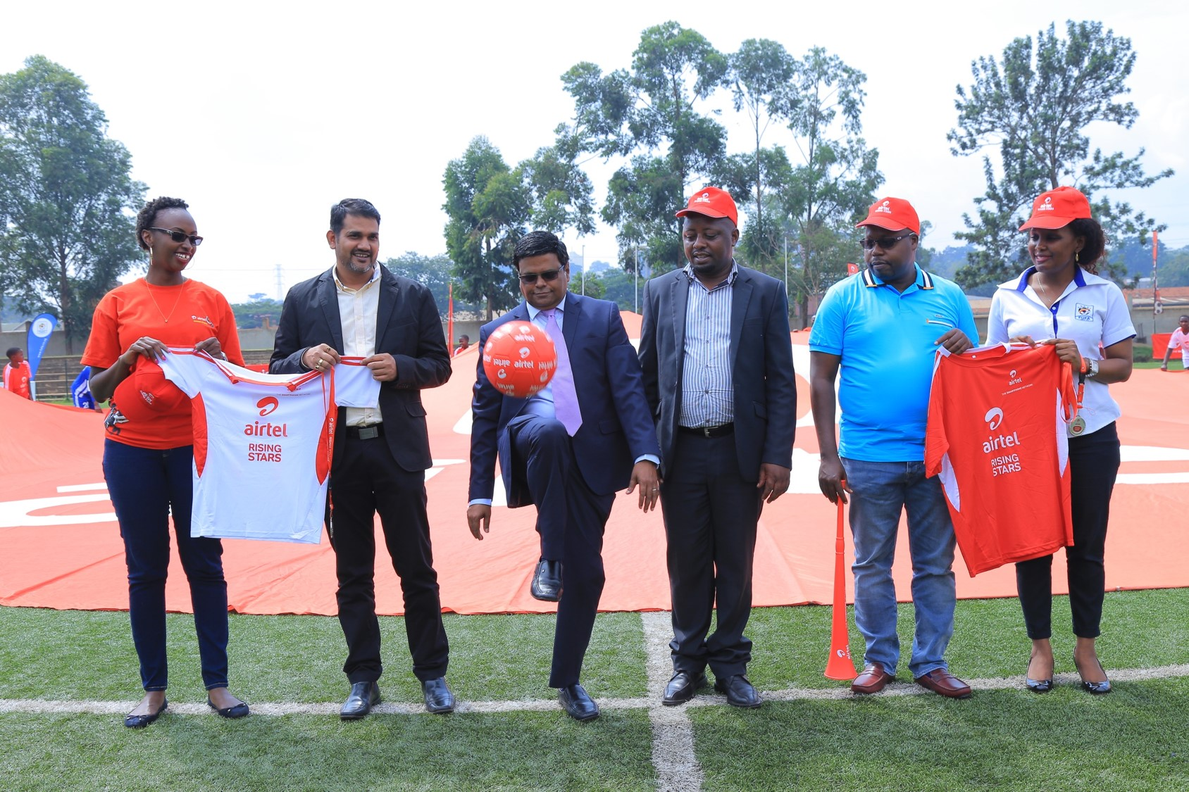 Airtel Uganda staff led by MD V.G. Somasekhar alongside FUFA officials officially launch ARS Season 7..
