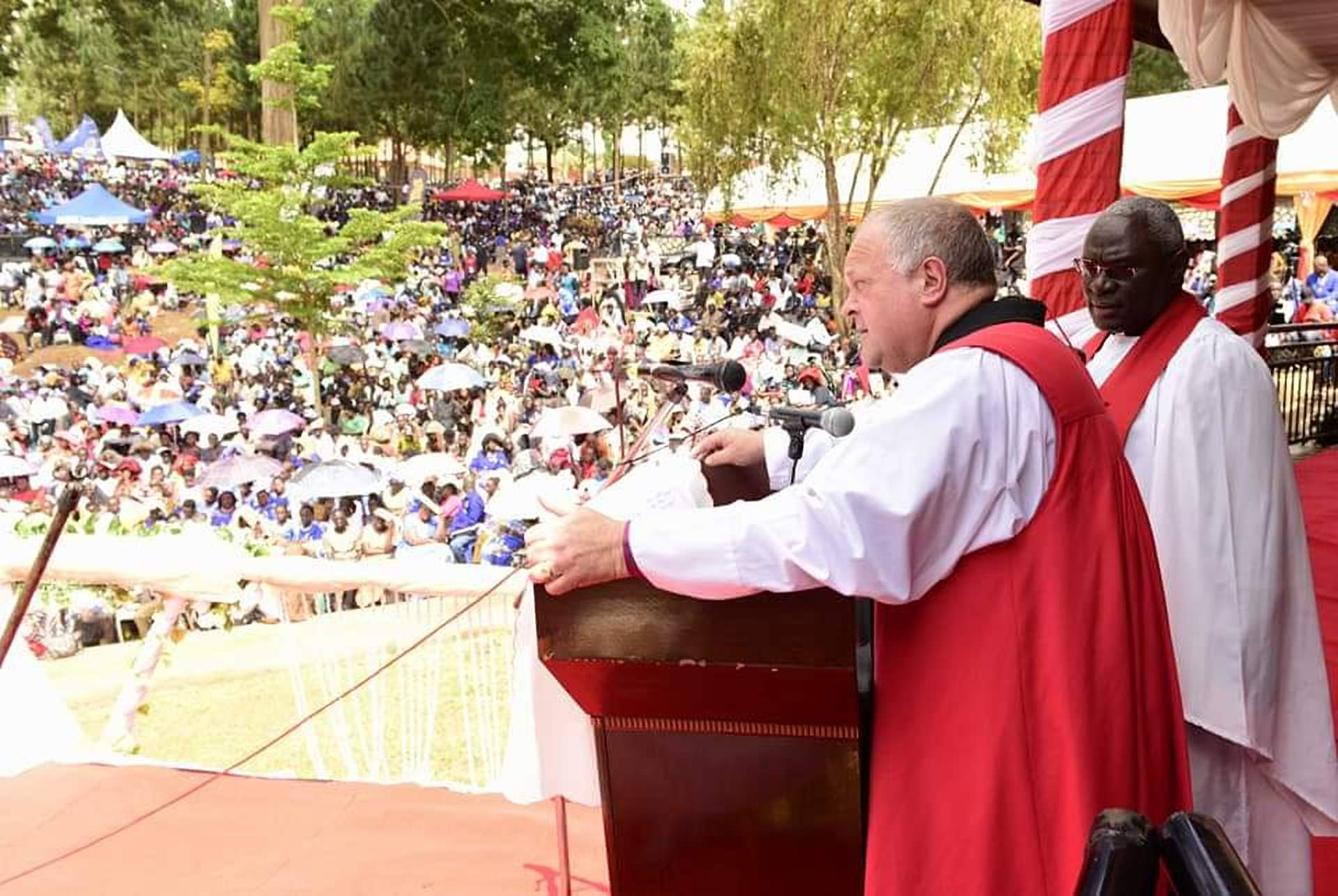 Bishop David Grants Williams of Basingstoke - UK joined by Rev. Dr. John Ssenyonyi during the service at Namugongo(COURTESY PHOTO)