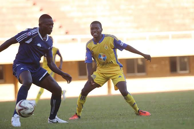 Rahmat Ssenfuka (left) against KCCA last season.