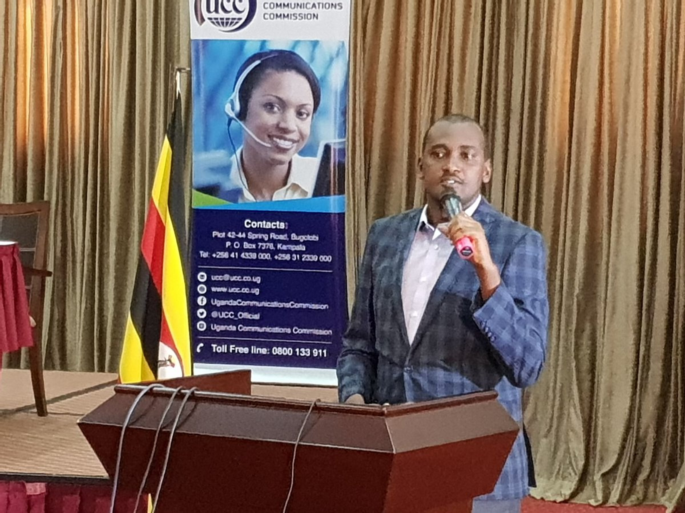 Information and National Guidance Minster Mr Frank Tumwebaze cautioned journalists and media houses to draw a line between political and fake news in giving content to the public. He made the remarks at the Annual Broadcasters Conference at Imperial Royale, Kampala Wednesday morning