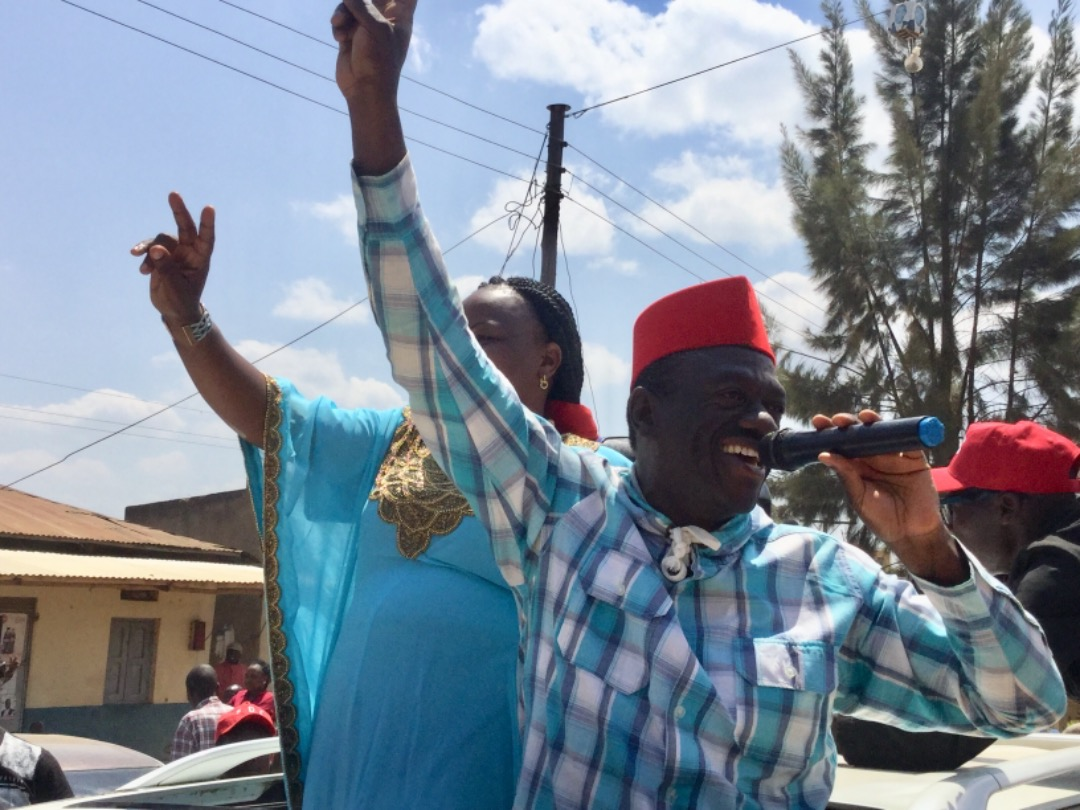 Ex-FDC party president Dr. Kizza Besigye while campaigning for falg bearer, Ms Virginia Plan Mugyenyi, has slammed Elioda Tumwesigye from being in NRM because of money (PML Daily Photo)