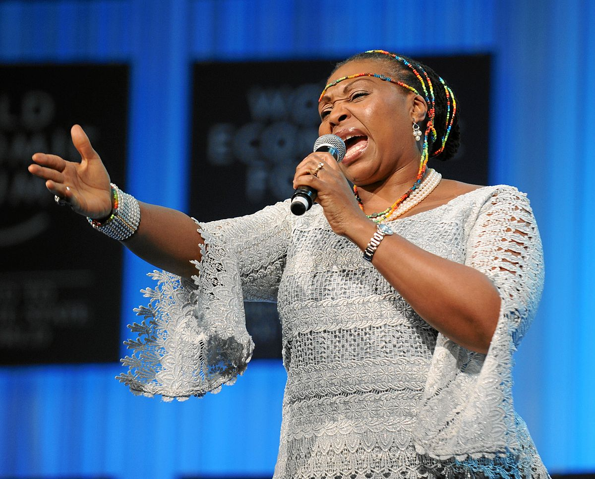 South African singer Yvone Chaka Chaka wil perform live at Serena Hotel in Kampala in memory of African Hero Nelson Mandela.(FILE PHOTO)