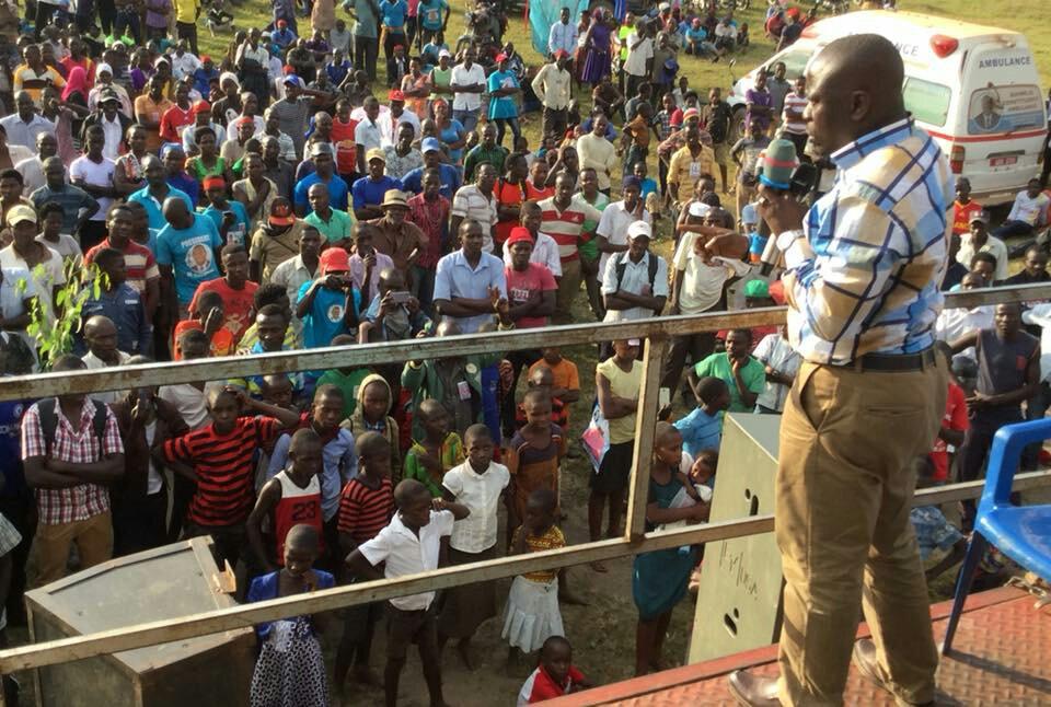 MP Buhweju Mwijukye addresses a crowd at FDC's flag bearer, Virginia Plan Mugyenyi ahead of the hotly contested Sheema Municipality MP (PML Daily Photo)