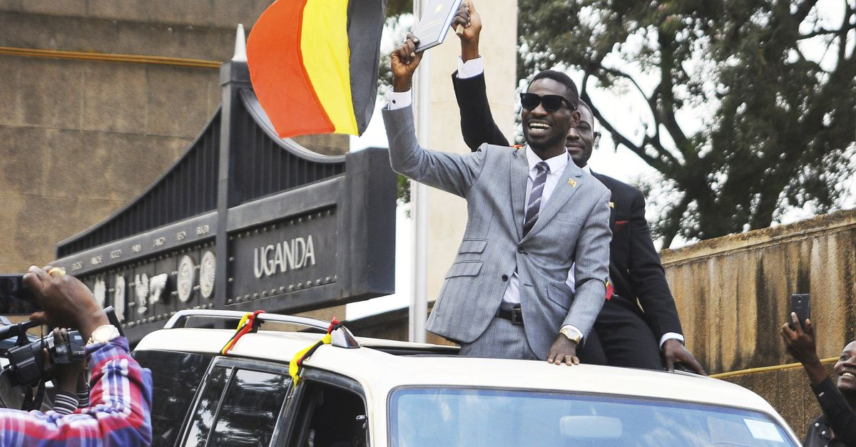 Ugandans in Netherlands have vowed to demostrate over the brutal arrest and torture of MP Robert Kyagulanyi, Francis Zaake the government doen not release the detained legislators (FILE PHOTO)