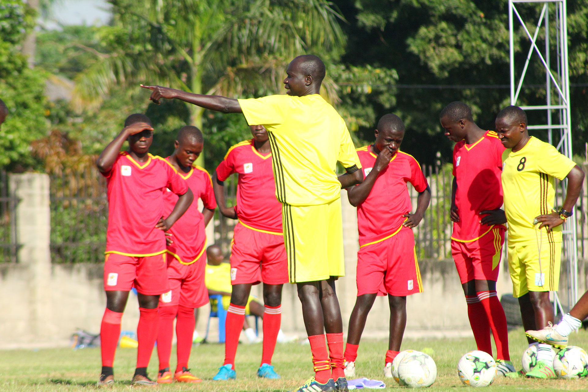 Peter Onen (center) conducting a training session yesterday (photo by FUFA Media)