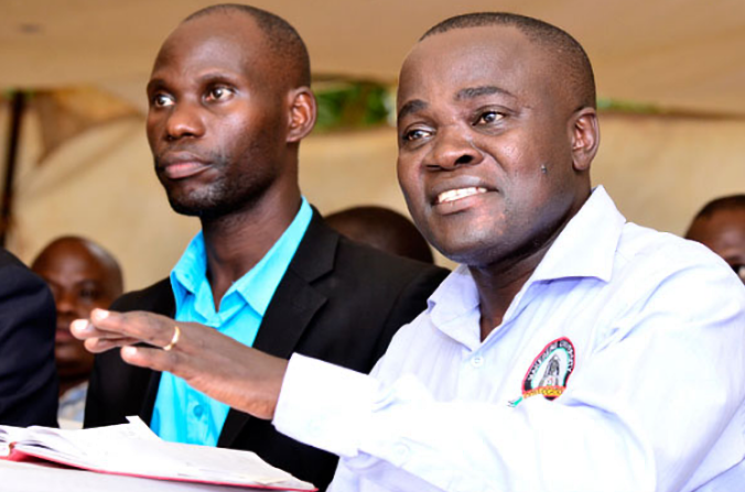 Chairperson FASPU, Dr Grace Lubaale (L) looks on as MUASA chairperson Dr Deus Kamunyu Muhwezi (R) stresses a point in a media engagement recently. The vocal leader was suspended by Makerere Vice Chancellor, Prof Nawangwe in a renewed rift at Uganda's oldest University (FILE PHOTO)