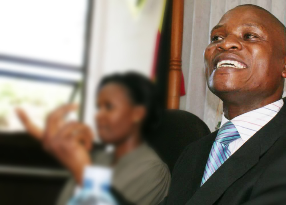 """Former Presidential Press Secretary, Joseph Tamale Mirundi has warned the NRM party and President Museveni that the Bobi Wine led """"People's Power"""" is a real threat (FILE PHOTO)"""