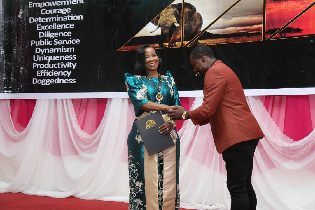 "KCCA ED Ms Jennifer Musisi accepts the  awarded the honour of ""Africa Agent of Change"" at The Women Development Centre, Abuja - Nigeria(PML Daily PHOTO)"