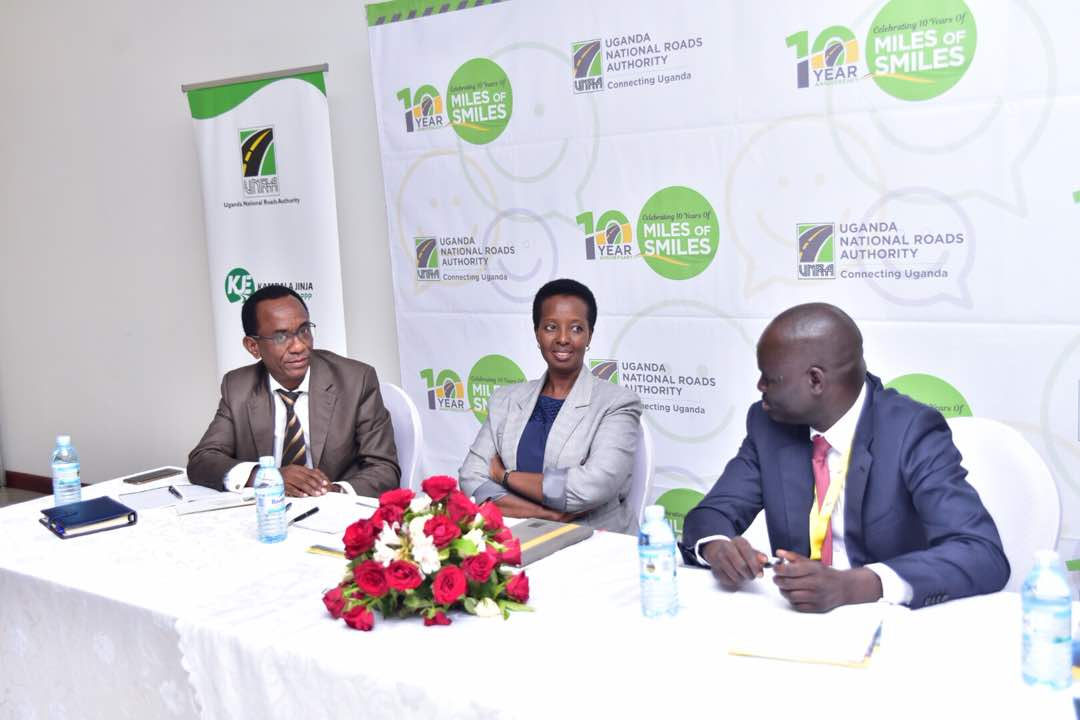 UNRA ED Allen Kagina and other officials at the unveiling of the bidders for the US$1bn Jinja Expressway project (PML Daily PHOTO)