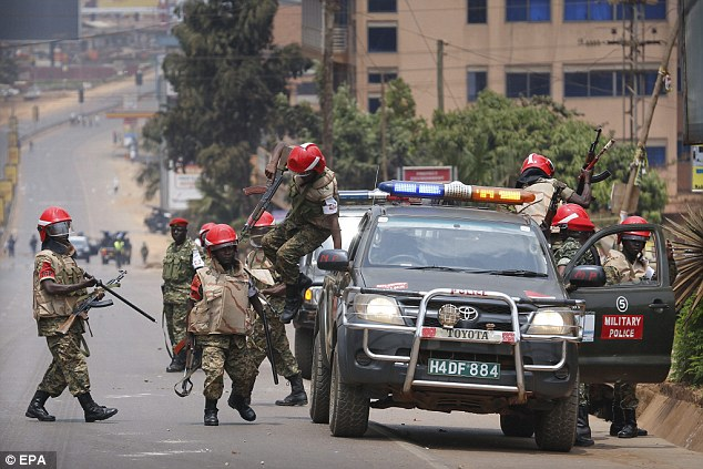 Heavy Military and Police deployment on Entebbe Road ahead of the return of Kyadondo East MP Robert Kyagulanyi Ssentamu September 20 (FILE PHOTO)