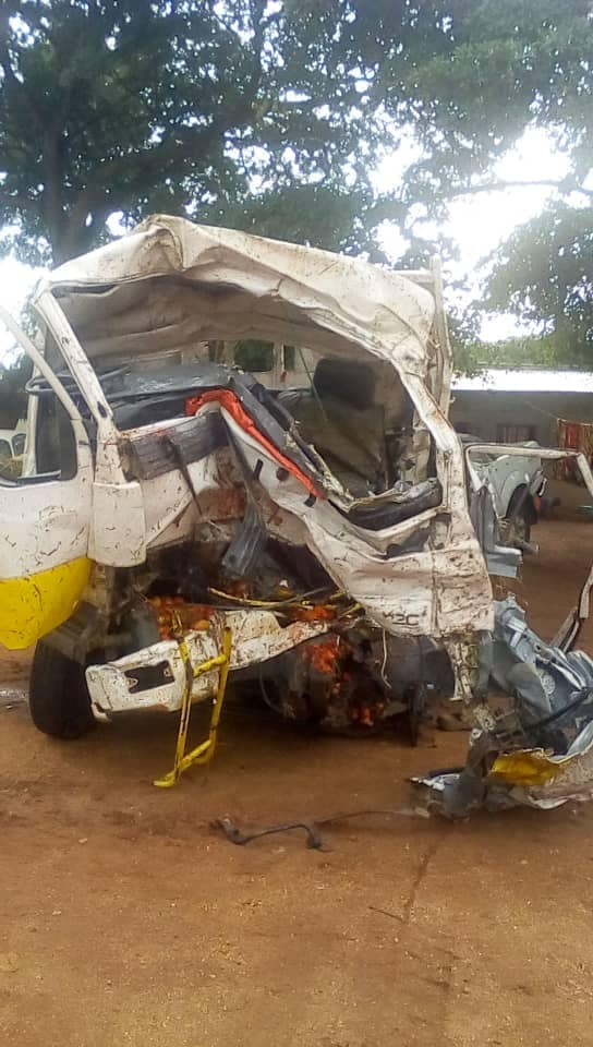 The Isuzu, registration number UBE 048B, collided head-on with a trailer, registration number UAT 139Q at Migyera with 3 dead (PML Daily PHOTO)