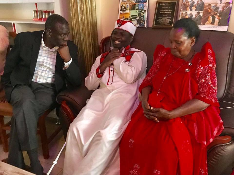 FDC Ex-president Dr. Kiiza Besigye (L) pays a visit to Mityana Municipality Member of Parliament Francis Zaake. (FILE Photo)