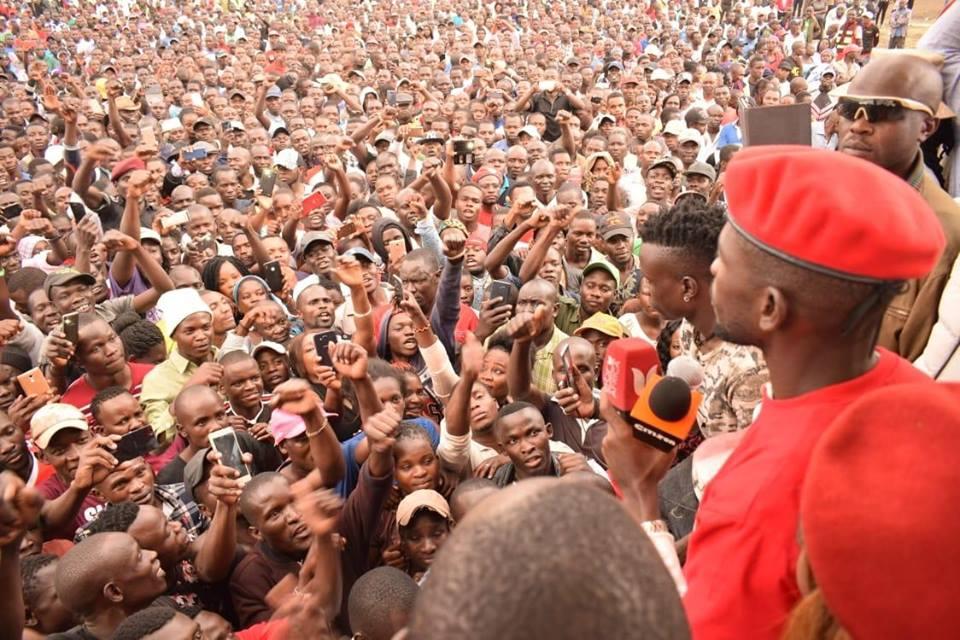 Kyadondo East MP Robert Kyagulanyi alias Bobi Wine is received by Embakasi MP Babu Owino as he addressed youths in Embakasi East (PML Daily PHOTO)