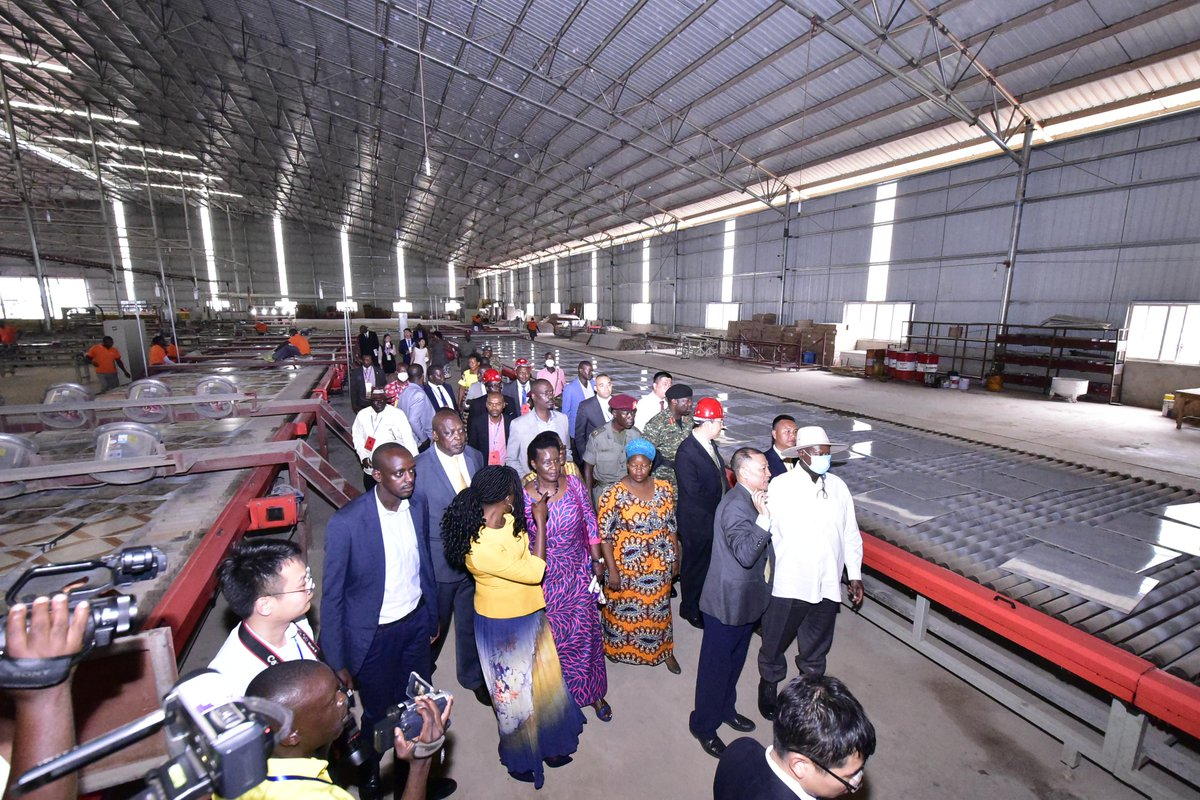 President Museveni and other government officials tour Good Will Ceramic Tiles Factory in Liao Shen Industrial Park, Nakaseke Saturday September 29 (PPU PHOTO)