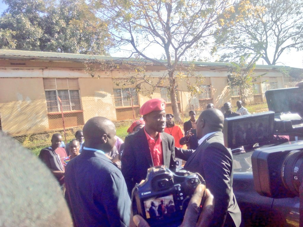 Kyadondo East MP Robert Kyagulanyi speaks to the press in Gulu before accessing the court premises Monday October 1 (PML Daily PHOTO)