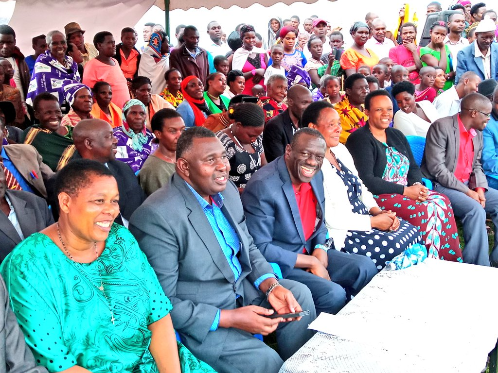 Former FDC party President Dr. Kizza Besigye is joined by Rukungiri Woman MP Betty Bamukwatsa Muzanira, FDC head of Mobilization, Ingrid Turinawe and other party leaders  in Nyakabungo, Rubabo Constituency, Rukungiri (PML Daily PHOTO)