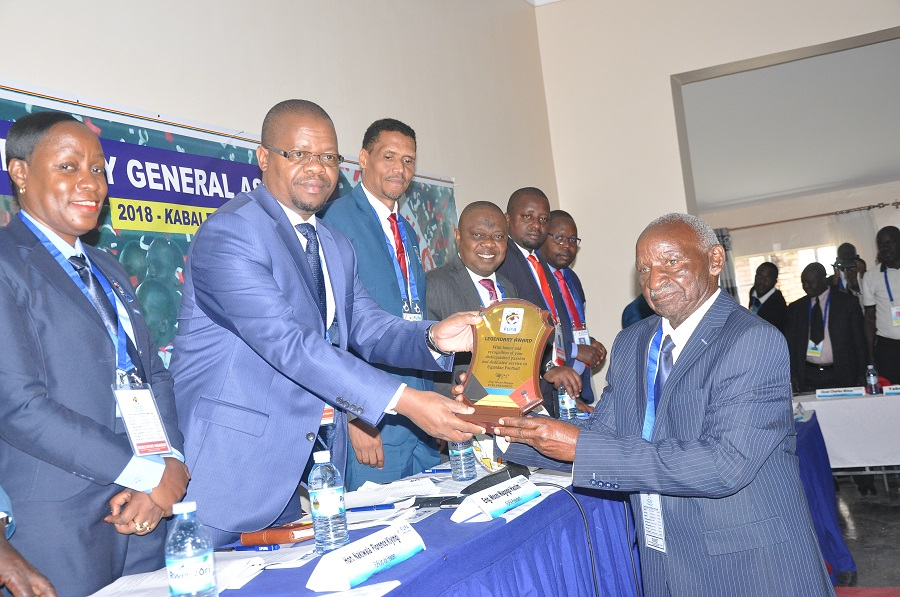Magogo hands a plaque at the General Assembly on Saturday