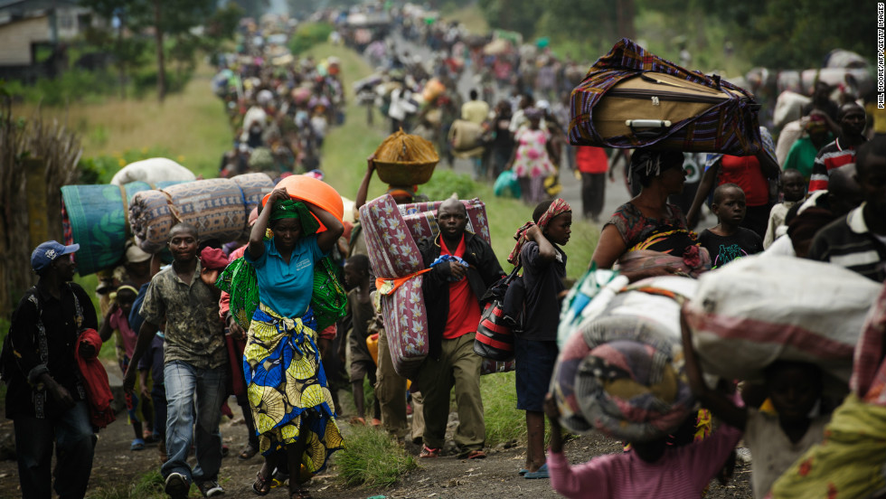 congo-crowds-fleeing-horizontal-large-gallery