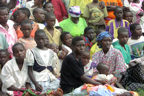 A group of women and child refugees from Rwanda