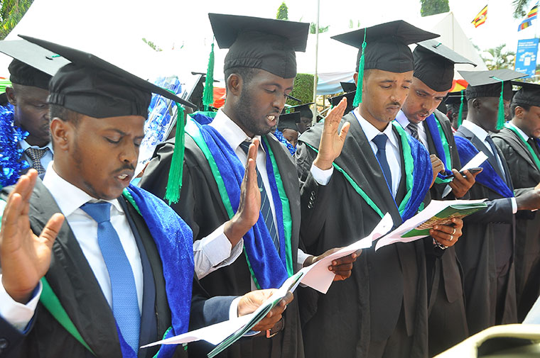 Graduands-of-the-Bachelor-of-medicine-and-bachelor-surgery-take-the-Hippocratic-oath