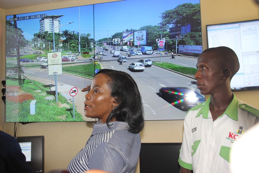 Kampala Capital City Authority (KCCA) Executive Director, Jennifer  Semakula Musisi has promised a better traffic flow in the city.