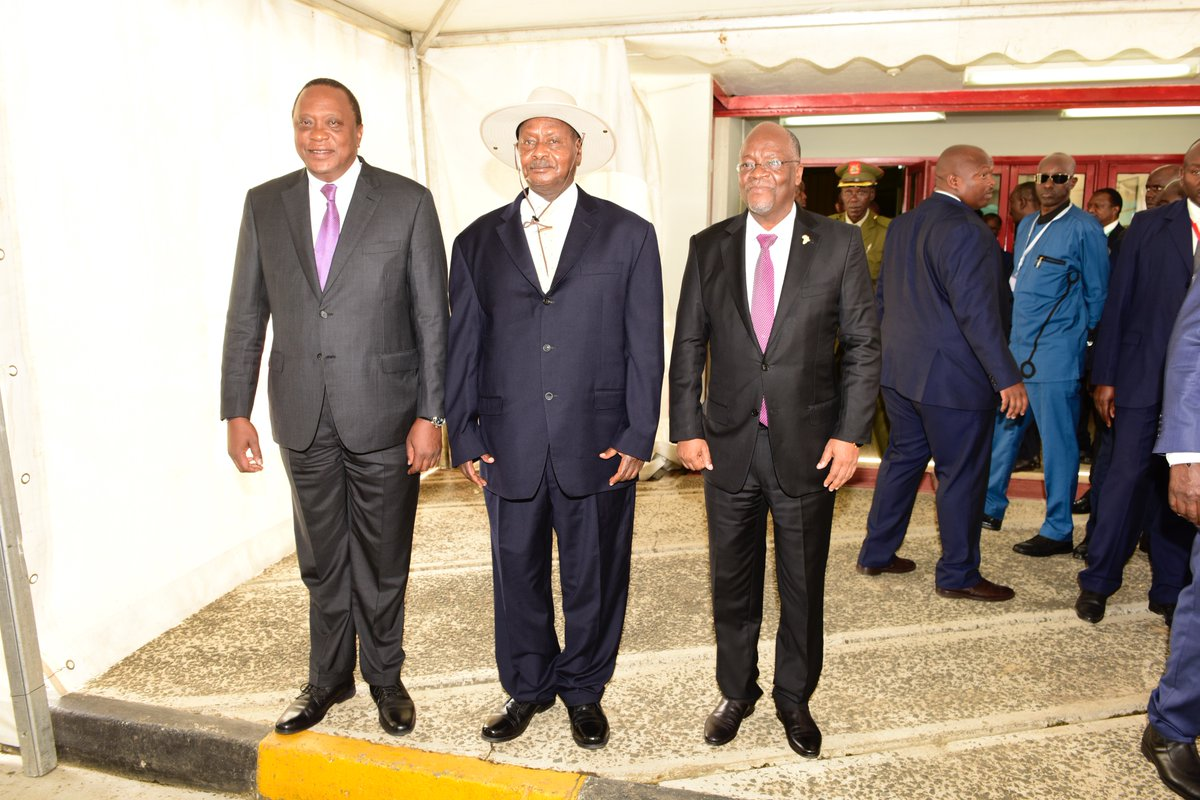 (L-R) President Uhuru Kenyatta (Kenya), current EAC Chairman, President Yoweri Museveni (Ugandan) and, Tanzania's John Pombe Magufuli (FILE PHOTO)