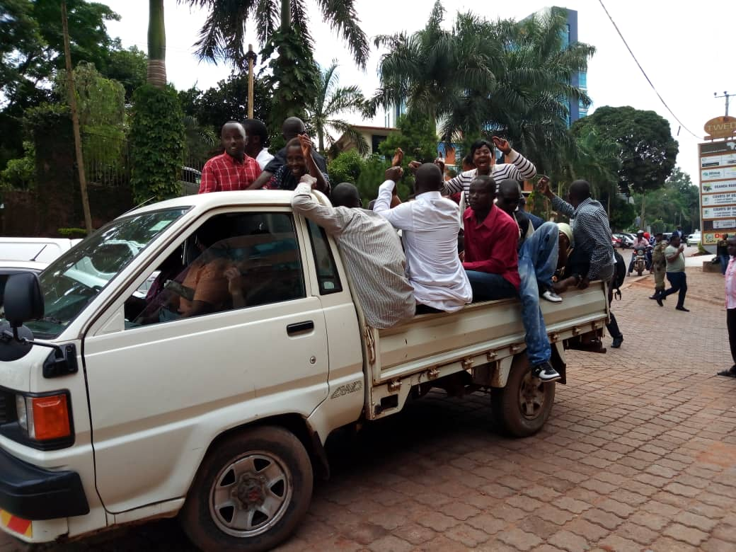 Residents of Lasanja leaving cout
