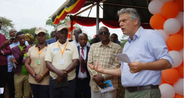 During the tour in Kiruhura district, Mr Joris Van Bommel, who's the current Head of Development Cooperation and Economic Affairs and Deputy Ambassador at the Netherlands Embassy urged the Ugandan government to engage youth in farming.