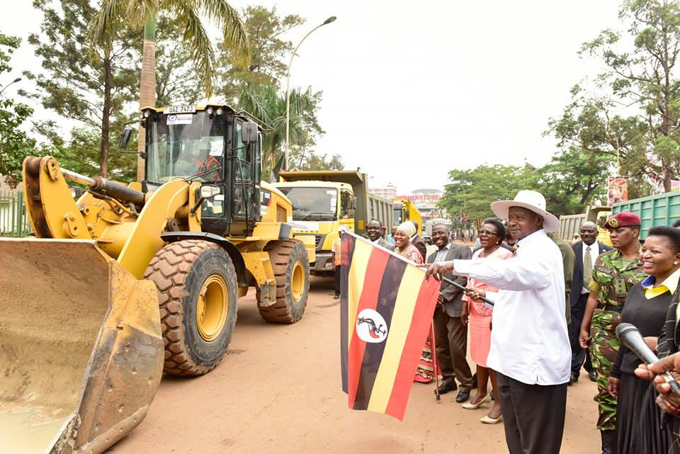 officiated at the commencement of the Kampala Flyover construction, at Clock Tower.