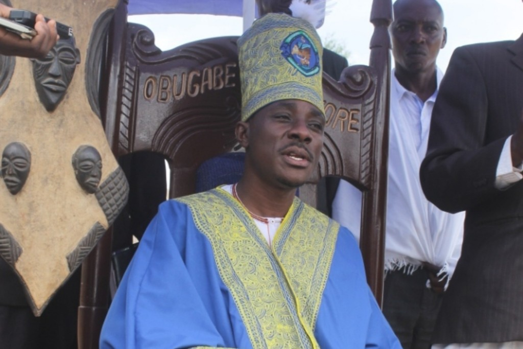 Self-proclaimed King of Ankole, Umar Asiimwe Rubambansi has buried the hatchet with his father as the duo takes the path to mediation (FILE PHOTO_
