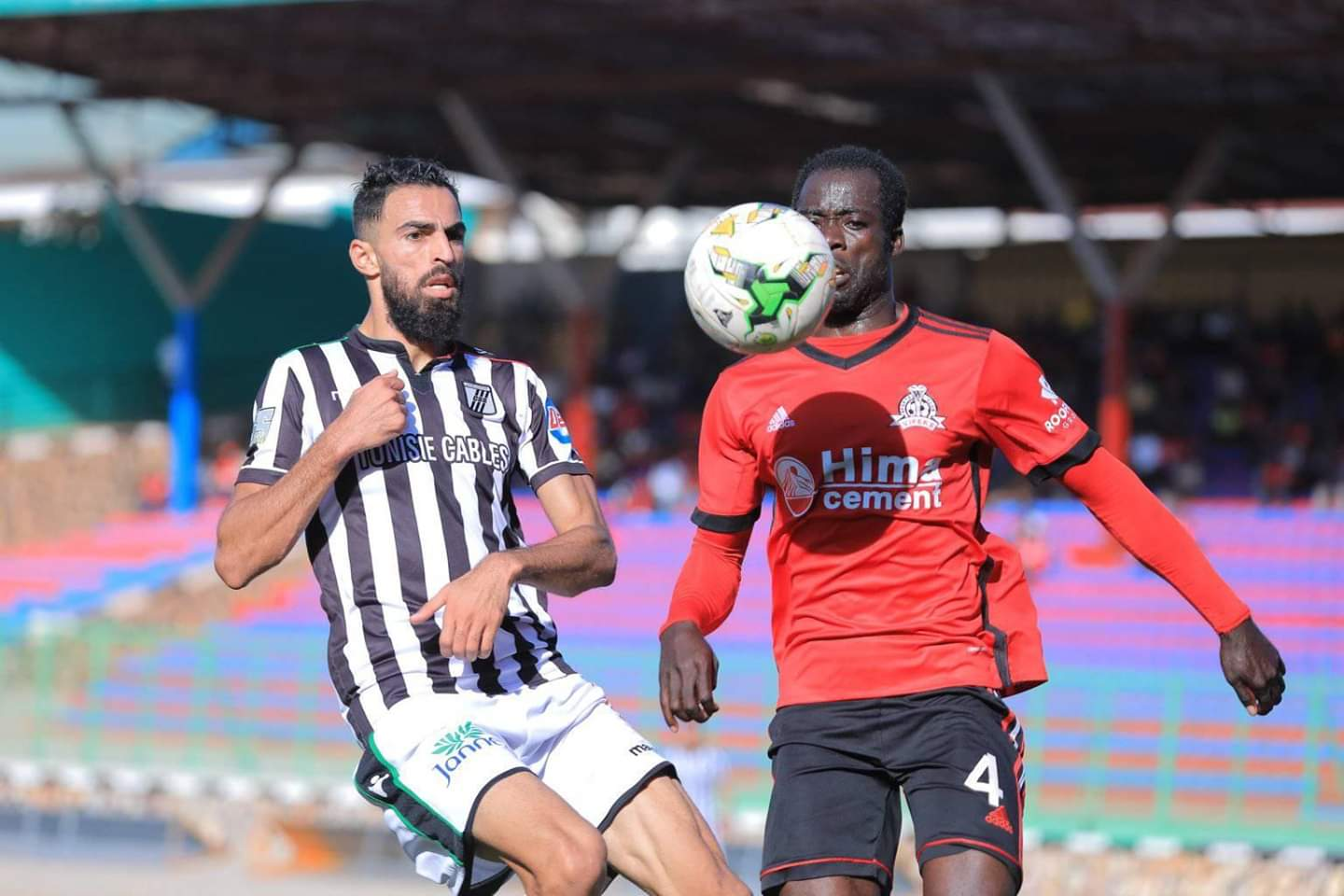 Vipers' Livingstone Mulondo in action against Sfaxien on Saturday (Agency Photo)
