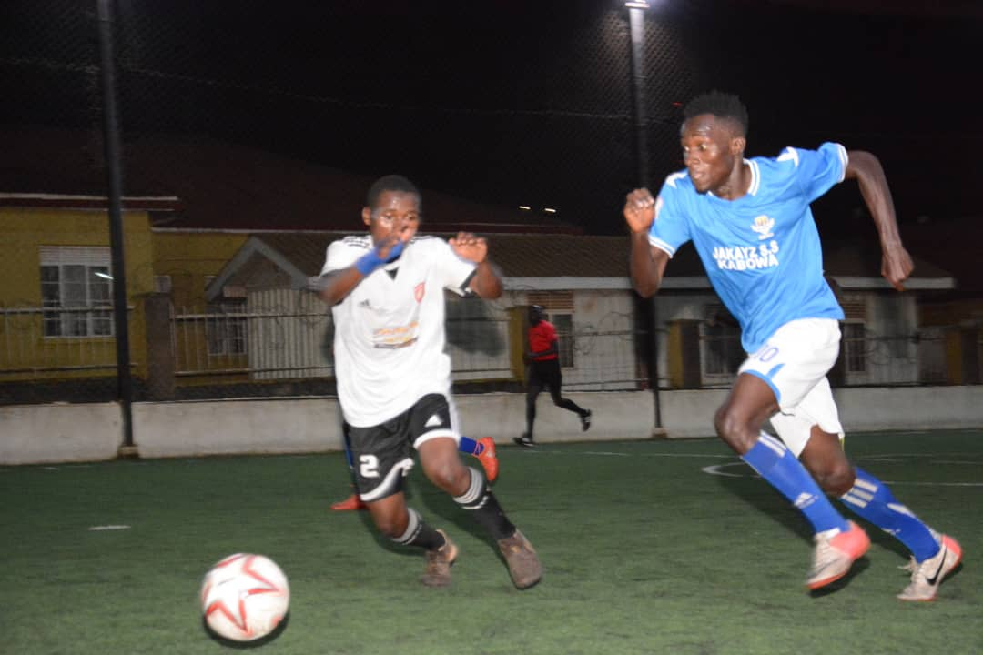Yeak (Blue) are top of the standings (file photo)