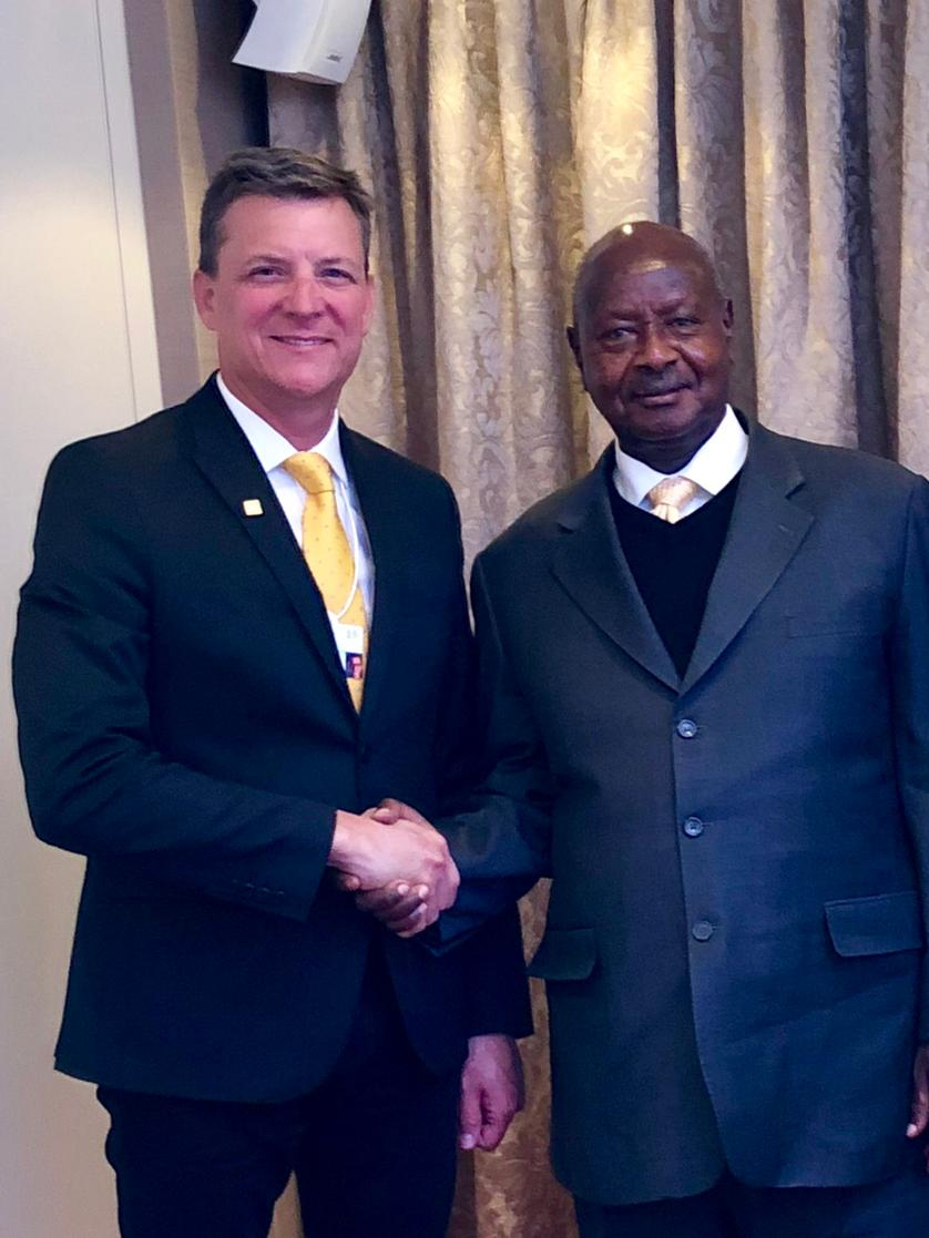 MTN Group CEO Rob Shuter with the Ugandan President Yoweri Kaguta Museveni (PHOTO/File)